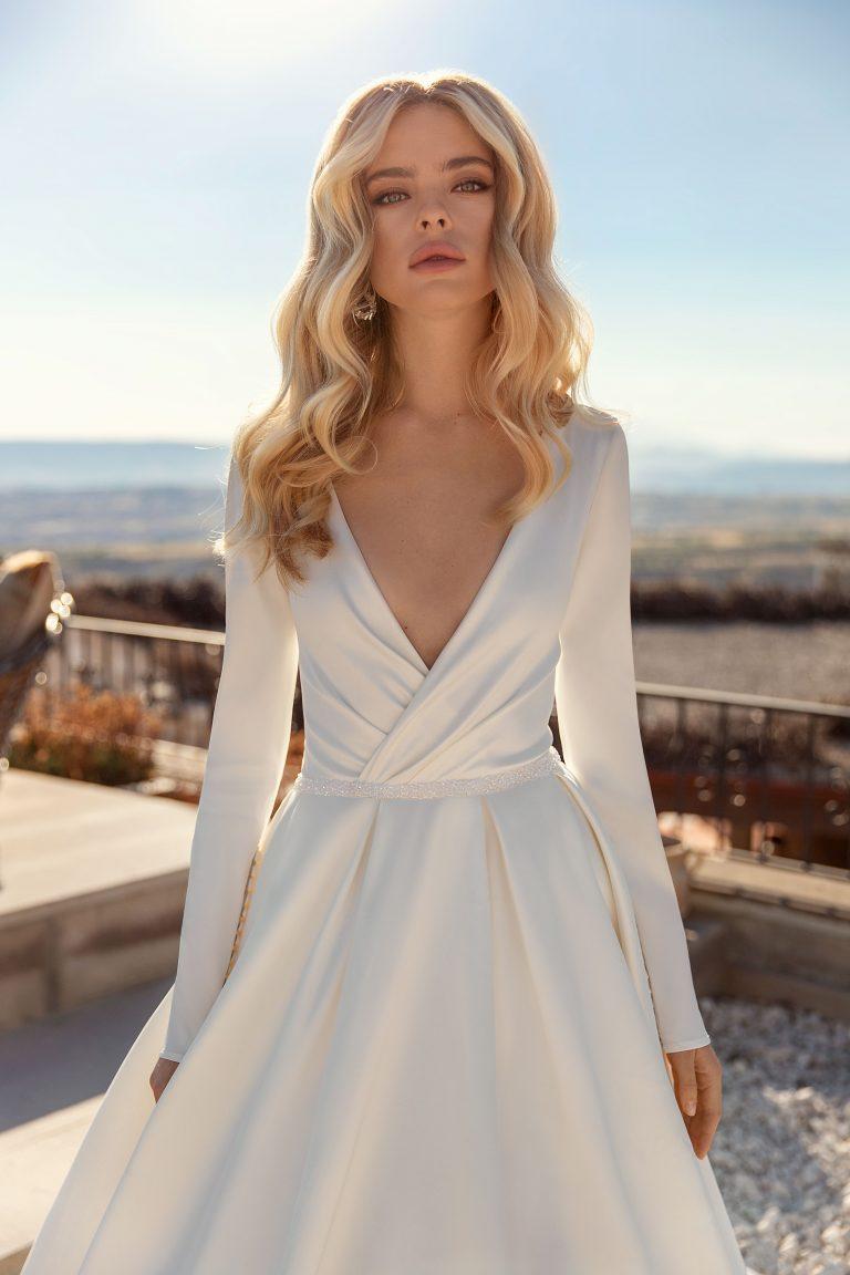 long sleeves satin wedding dress