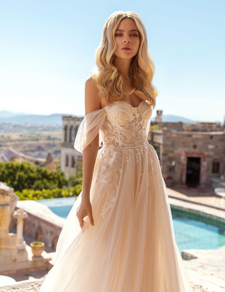sweet heart neckline Lace detail A-line Wedding Dress