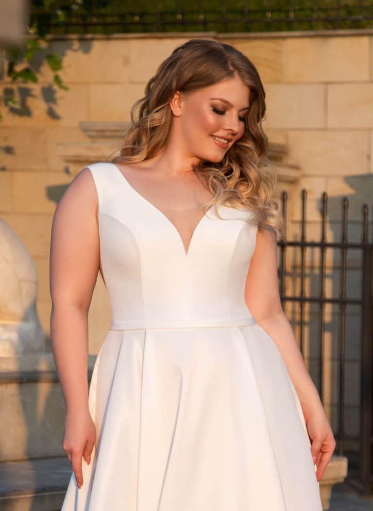 Adi Shlomo in 2020 | Wedding dresses, Dresses, Wedding
