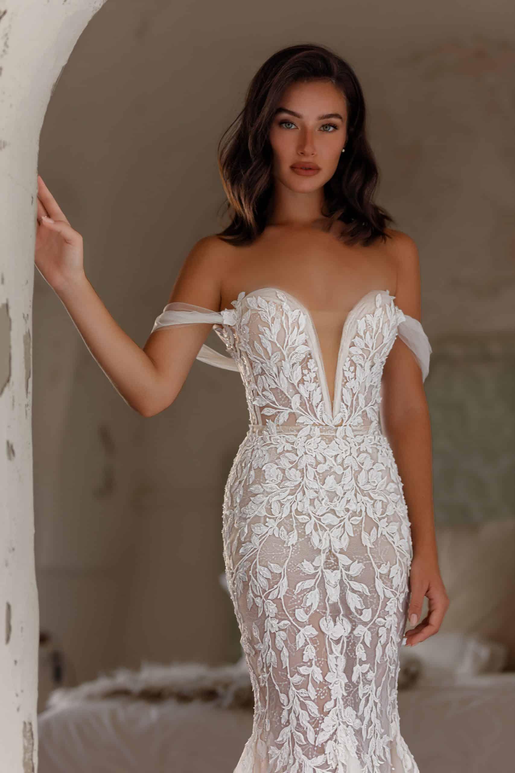 Jenny Packham Lilya New Wedding Dress Save 45% - Stillwhite