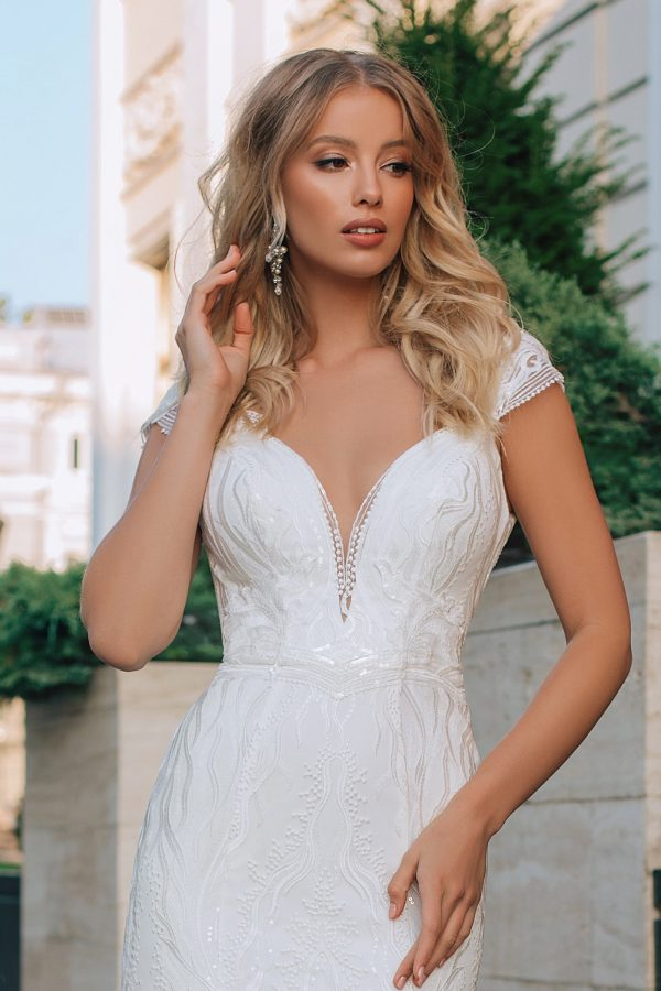 modern fishtail wedding dress