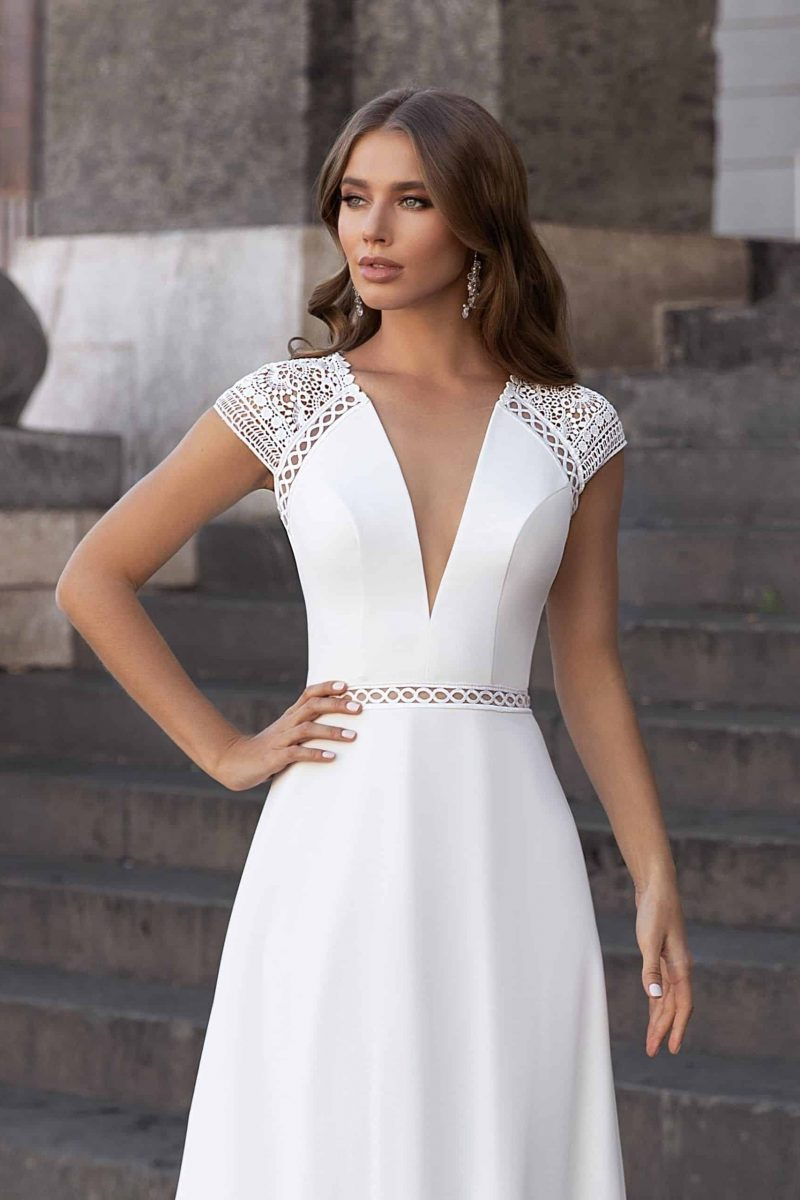 Simple backless wedding dress