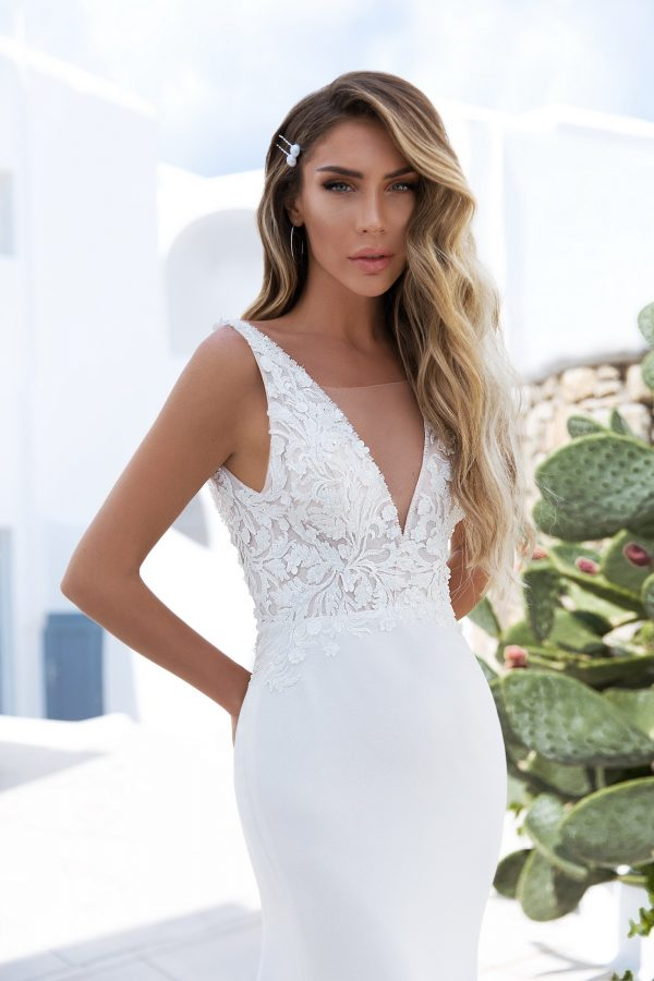 Fitted Flattering Wedding Dress