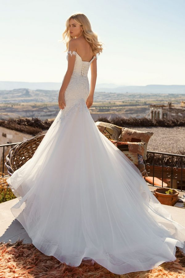 modern mermaid wedding dress