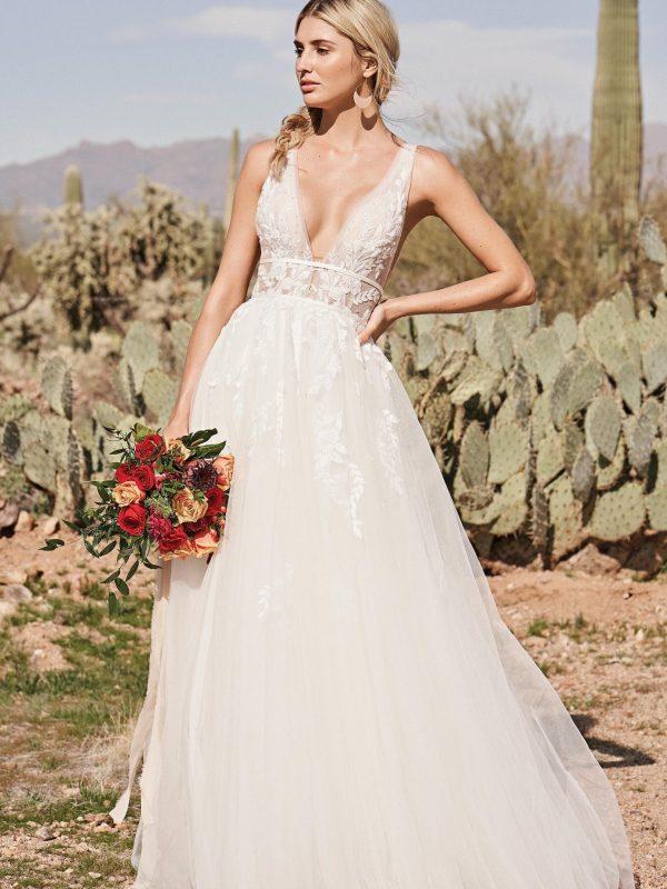 Captivating and Romantic Wedding Dress
